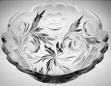 Deeply Carved Hawkes Gravic Poppy Bowl